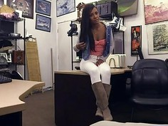 Hot ebony gal pounded by pawn keeper for the golf clubs