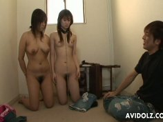 Juggy and titless Japanese girls going wild