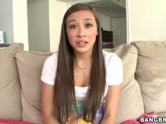 Not modest brunette Arial Rose wants to get her fancy tickled