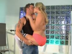 Dirty sporty babe Mia Malkova enjoys in giving head in gym