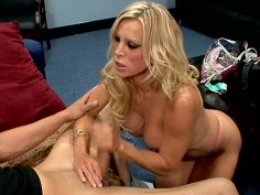 Freak blonde MILF Amber Lynn sucking dick deepthroat and fucking in the office