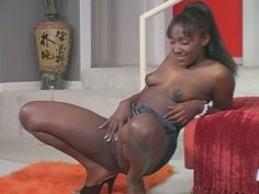 Black sexy and spoiled hooker loves posing naked on cam