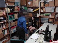 LP officer screwed petite Ivys pussy