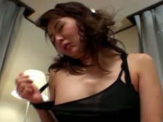 Sextractive Japanese mama Maria Yuuki gives a blowjob in pose 69